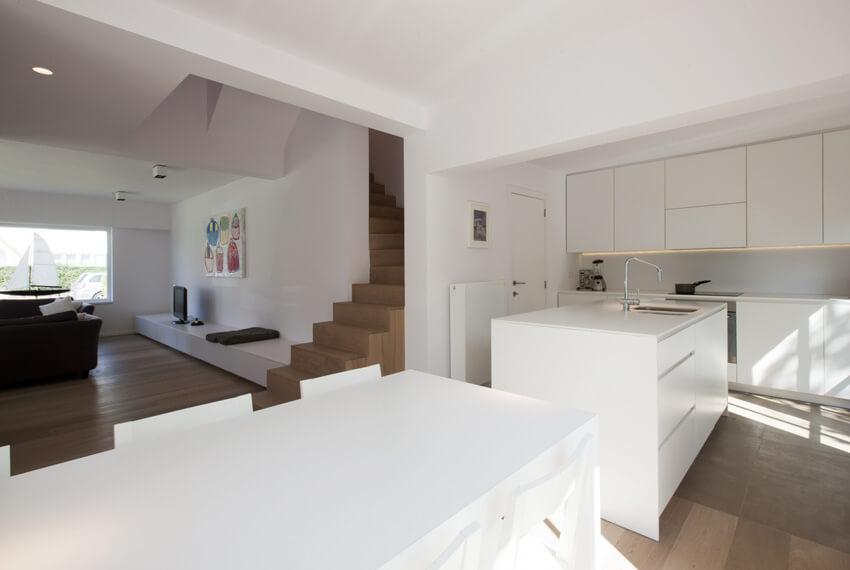 Keukeninrichting meubelen devriese for Hedendaags interieur