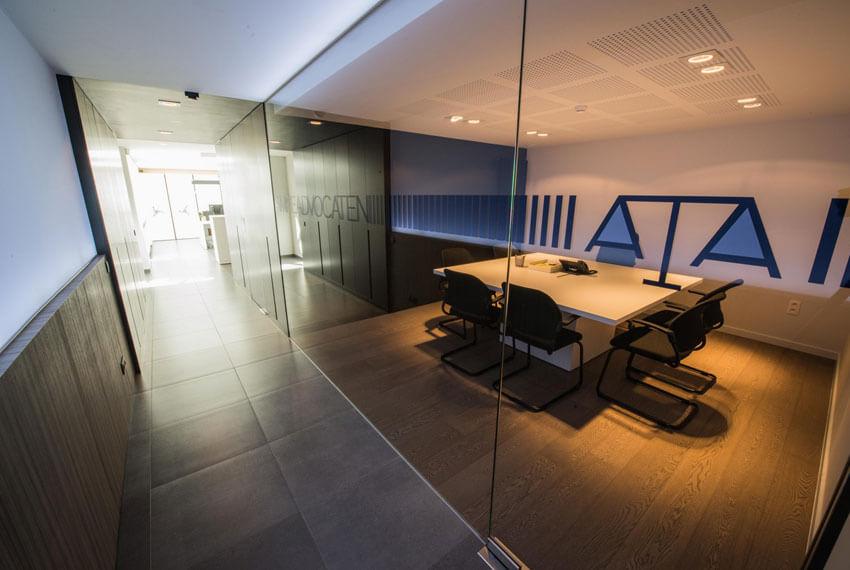 Kantoorinrichting Advocatenkantoor Ampe (Oostende) - Meubelen Devriese
