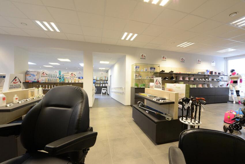 Winkelinrichting Bond Moyson (Oostende) - Meubelen Devriese
